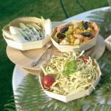 Manjares exóticos nos seus pratos de madeira