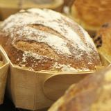 Pão tradicional na sua forma para assar