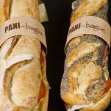 Baguete e sanduíche com argola de madeira personalizada